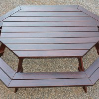 Octagonal Bench – Oval Entertainer